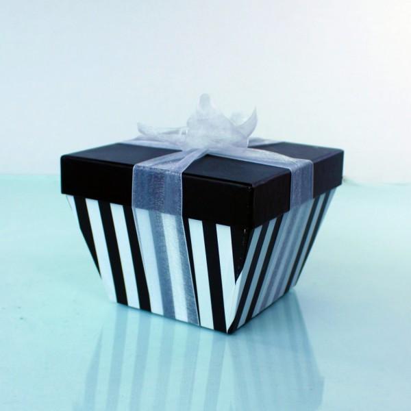fudge-box-stripey-black-and-white-600x600